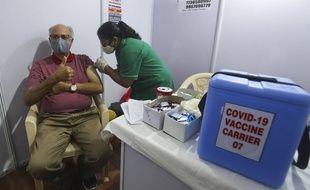 La vaccination suscite de plus en plus d'adhésion dans le monde au fil des mois et des campagnes vaccinales