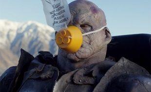 Un orque avec son masque à oxygène dans le clip pour Air Nouvelle-Zélande...