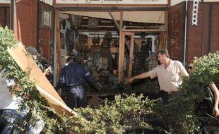 Au moins quatre personnes ont péri dans un attentat suicide qui a frappé jeudi un quartier chrétien de Damas, nouvel épisode sanglant d'une guerre civile dans laquelle le fossé entre besoins humanitaires et aide distribuée ne cesse de s'accroître.