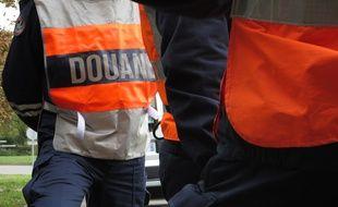 Illustration de douaniers français.