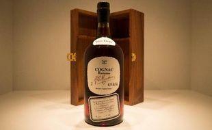 Le cognac conforte pour la deuxième année consécutive sa première place en valeur à l'exportation dans le secteur des vins et spiritueux, devant les vins de bordeaux et le champagne, malgré la baisse du marché chinois, a-t-on appris auprès de l'interprofession.
