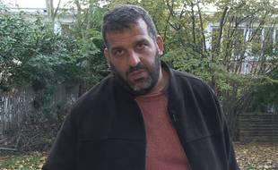 Karim Ben Ali, chauffeur routier, a dénoncé le déversement d'acide dans la nature par ArcelorMittal.