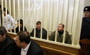 Les jurés du procès des complices présumés du meurtrier de la journaliste Anna Politkovskaïa doivent se retirer jeudi pour délibérer du verdict dans cette affaire, a indiqué mercredi le juge après que la défense et l'accusation eurent prononcé leurs dernières plaidoiries.
