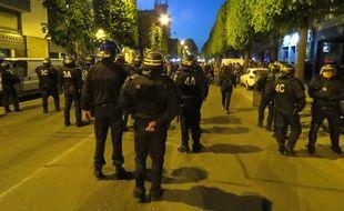 Les manifestants ont été encerclés par les forces de l'ordre sur le boulevard de la Tour d'Auvergne.