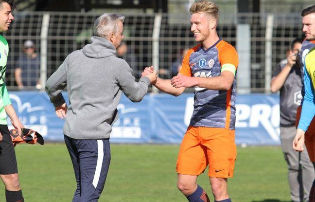 Clément Vidal avec Frédéric Garny, l'entraîneur des U19 du MHSC.