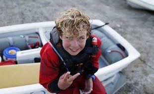Le Breton Tom Goron a bouclé la traversée de la Manche en optimist en 14 heures et 21 minutes.