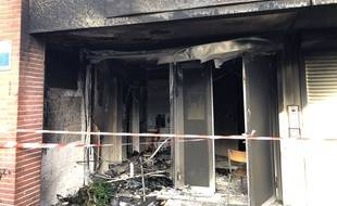 L'école primaire Pierre et Marie Curie, rue Baptiste Marcet à Toulouse, a été sérieusement endommagée par un incendie.