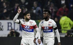 Ici aux côtés de Maxwel Cornet, Nabil Fekir savoure son 17e but de la saison en Ligue 1.