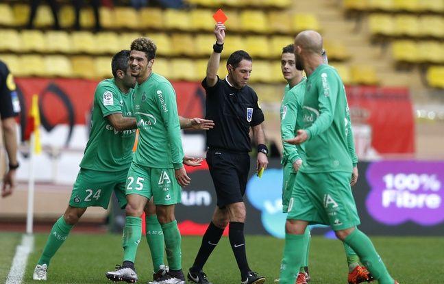 Le 13 décembre 2015, Kévin Malcuit a été expulsé pour son retour au Stade Louis II.