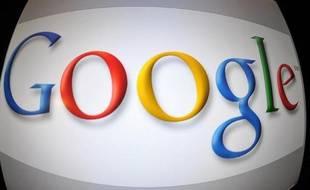 """Le géant américain d'internet Google travaille à une console de jeux et une """"smartwatch"""" fonctionnant tous deux avec son système d'exploitation Android, selon le Wall Street Journal."""