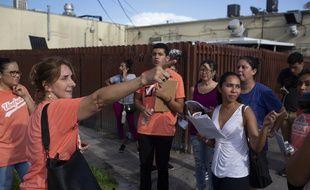 Les immigrants et immigrantes aux Etats-Unis se préparent aux descentes de police annoncées dimanche.