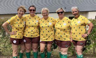 L'association Footeuses à tout âge veut rendre accessible la pratique du foot aux femmes seniors.