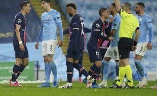 Angel Di Maria a été expulsé pour un mauvais geste sur Fernandinho lors de Manchester City-PSG, le 4 mai 2021.