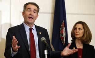 Le gouverneur démocrate de Virginie, Ralph Northam, et son épouse, Pam, à Richmond, le 2 février 2019.
