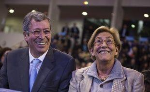 Rueil-Malmaison, le 3 décembre 2015. Patrick et Isabelle Balkany lors d'un meeting Les Républicains pour les élections régionales en Ile-de-France.