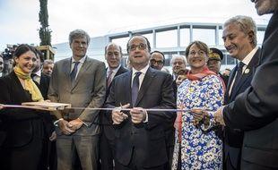 François Hollande, Ségolène Royal et Stéphane Le Foll, à l'inauguration de la Halle Bio du Marché de Rungis le 9 mai 2016.