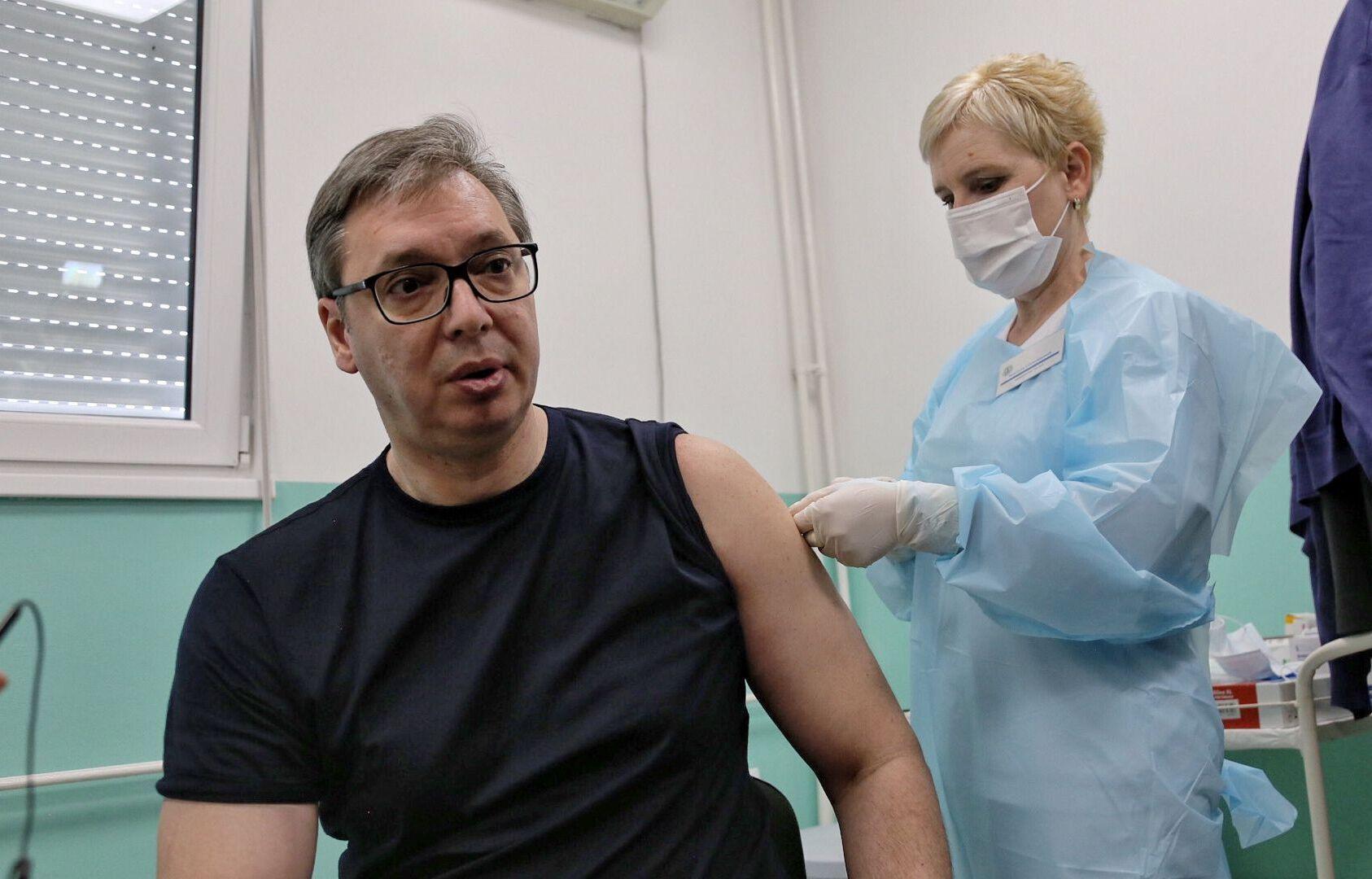648x415 president serbe aleksandar vucic recoit deuxieme dose vaccin chinois sinopharm doljevac serbie 27 avril 2021