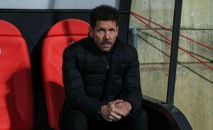 Diego Simeone traverse une passe difficile sur le banc de l'Atletico Madrid.