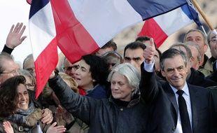 François Fillon et sa femme Penelope le 5 mars 2017au Trocadéro (AP Photo/Christophe Ena)
