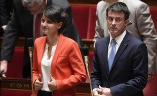 La ministre de l'Education Najat-Vallaud Belkacem et le Premier minisre Manuel Valls lors des questions au gouvernement le 12 mai 2015 à l'Assemblée nationale