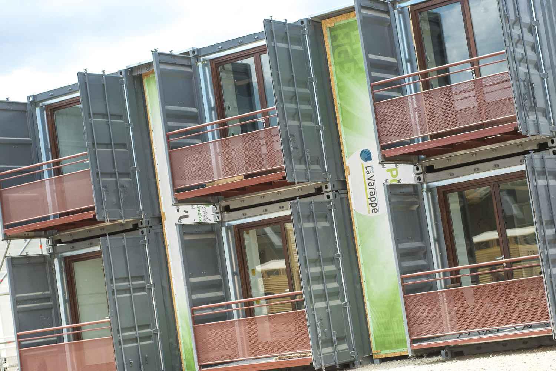 Lyon Des Containers En Guise De Logements Sociaux
