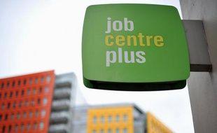 Le taux de chômage a rebondi au Royaume-Uni à 7,9% sur la période de trois mois achevée fin février après s'être stabilisé à 7,8% fin janvier, a annoncé mercredi l'Office des statistiques nationales (ONS).
