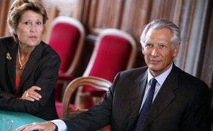 Brigitte Girardin (à gauche) et l'ancien Premier ministre Dominique de Villepin à Saumur, le 10 septembre 2010.
