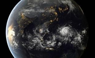 Le typhon Haiyan vu par un satellite météo japonais.
