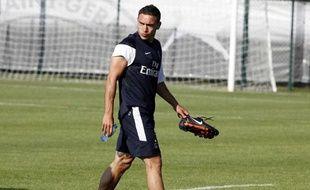 Mevlüt Erding quitte le PSG qu'il avait rejoint en 2009. Il doit s'engager avec Rennes pour trois ans et demi.