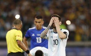 Lionel Messi face au Paraguay lors de la Copa America, le mercredi 19 juin.