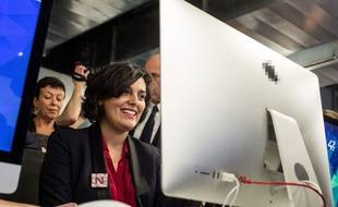 La ministre du Travail Myriam El Khomri en visite à l'école d'informatique privée 42, à Paris, le 3 février 2016.