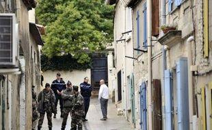 """Océane, une fillette de 8 ans habitant à Bellegarde (Gard), portée disparue depuis samedi soir, a été retrouvée morte dimanche matin, """"tuée à l'arme blanche"""", selon le procureur de Nîmes, Robert Gelli qui a confirmé dans la nuit qu'un habitant de Bellegarde était en garde à vue."""