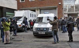 Julian Assange, soupçonné de « crimes sexuels», a été arrêté hier en Grande-Bretagne.