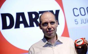 Régis Schultz, patron de Darty, présente le bouton connecté, dernière innovation de l'enseigne