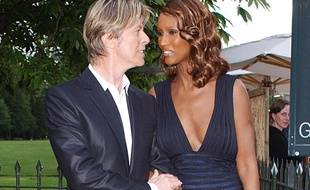 Le chanteur David Bowie et son épouse Iman à Londres en 2007