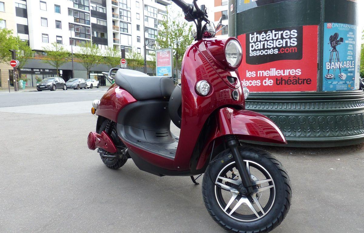 Le scooter Unu, de marque allemande, est commercialisé depuis ce mois d'avril en France.  – F. Pouliquen / 20 Minutes