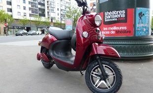 Le scooter Unu, de marque allemande, est commercialisé depuis ce mois d'avril en France.