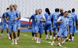 Les Bleus lors de leur dernier entraînement avant d'affronter la Biélorussie, le 10 septembre 2012 à Paris.