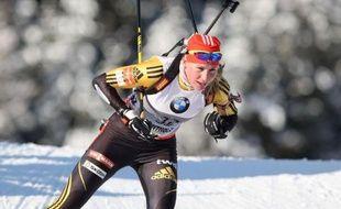 La Slovaque Anastasia Kuzmina, championne olympique de la spécialité, a remporté le sprint d'Antholz-Anterseelva devant la Finlandaise Kaisa Mäkäräinen et la Bélarusse Darya Domracheva, lors de l'étape italienne de la Coupe du monde de biathlon
