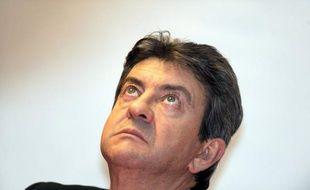 """Jean-Luc Mélenchon, candidat du Front de gauche à la présidentielle, a jugé que le discours de Nicolas Sarkozy à Toulon n'était qu'""""un disque rayé"""" d'un """"homme perdu et dépassé par la situation""""."""