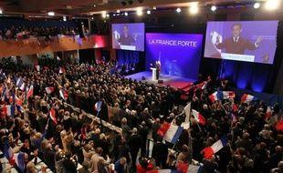 Nicolas Sarkozy a promis vendredi, s'il était réélu, de consacrer à la Corse près d'un milliard d'euros de nouveaux investissements, dont 400 millions en faveur du Plan exceptionnel d'investissements (PEI) destiné à rattraper le retard de l'île en infrastructures
