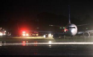 Un Boeing 737-800 de la compagnie indonésienne Garuda est sorti de piste à l'aéroport de Adisutjipto à Yogyakarta