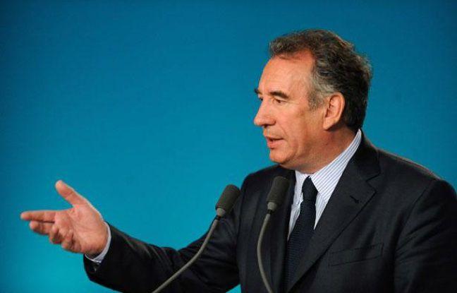 François Bayrou, candidat MoDem à la présidentielle, lors d'une conférence de presse à Paris, le 3 avril 2012.