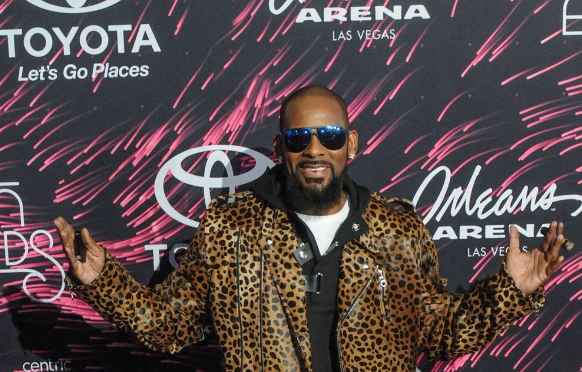 Le chanteur R.Kelly aux Soul Train Music Awards.  – WENN
