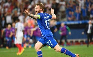 L'Islande se qualifie face aux Anglais