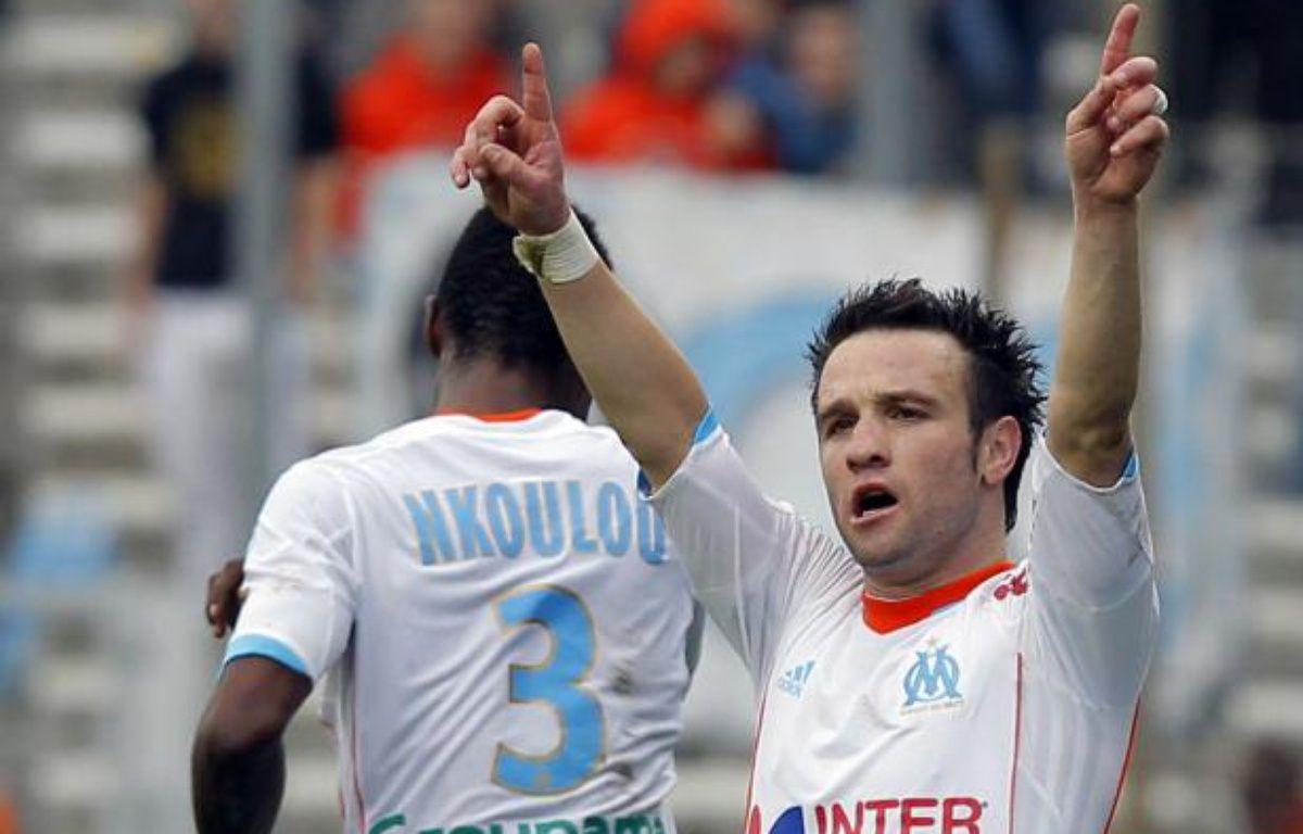 Le joueur de l'OM, Mathieu Valbuena (de face) lors de son but marqué face à Nice, le 11 novembre 2012 au stade Vélodrome. – REUTERS