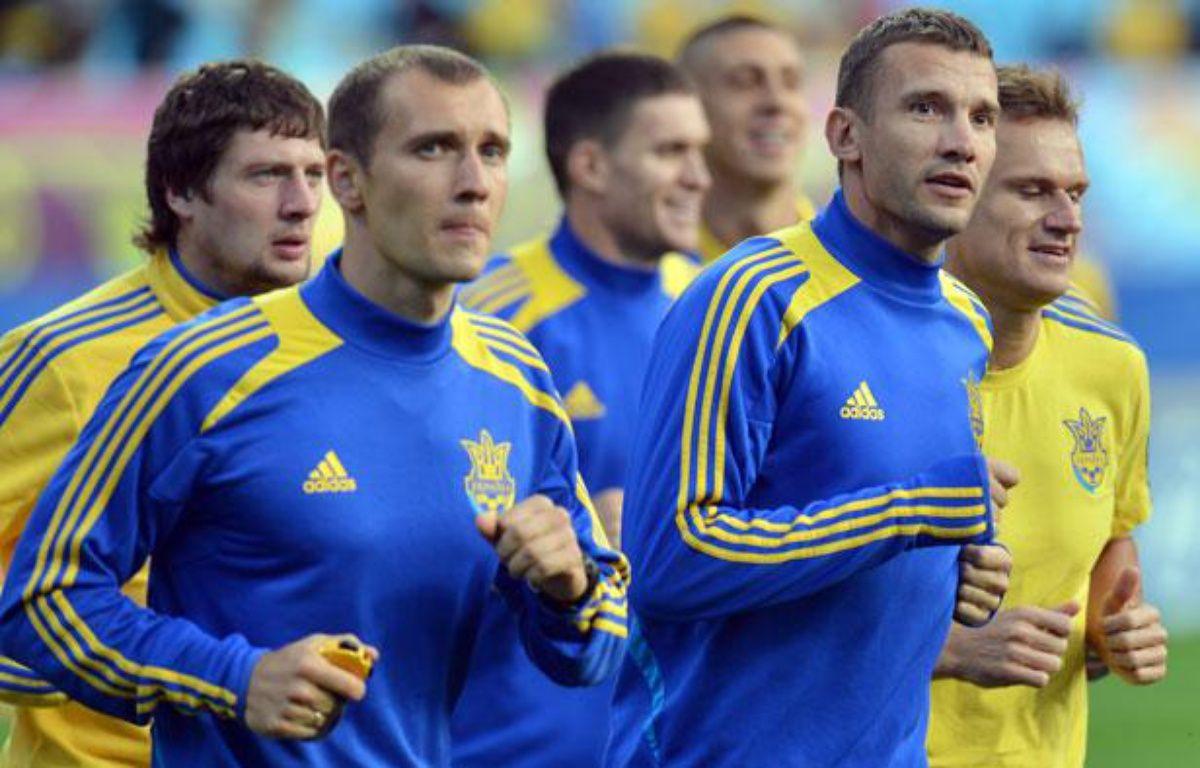 L'équipe d'Ukraine à l'entraînement le 7 juin 2012, à Kiev. – SERGEI SUPINSKY / AFP