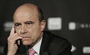 L'ex-Premier ministre et maire UMP de Bordeaux Alain Juppé, nommé dimanche ministre d'Etat en charge de la Défense, effectue à 65 ans son grand retour au gouvernement un peu plus de trois ans après un bref passage au ministère de l'Ecologie consécutif à son échec aux législatives.