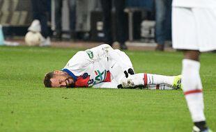 Neymar au sol lors de Caen-PSG en 21e de finale de Coupe de France, le 11 février 2021.