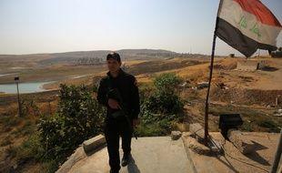 Un soldat irakien monte la garde dans le nord du pays le 24 octobre 2017.